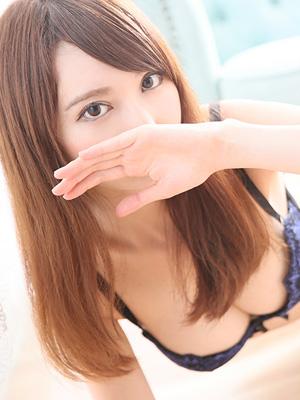 山森 美亜 (23歳)
